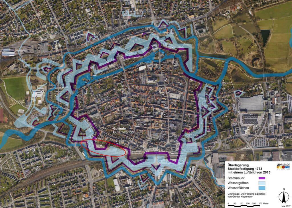 Überlagerung historischen Festungsanlage und Luftbild von 2015